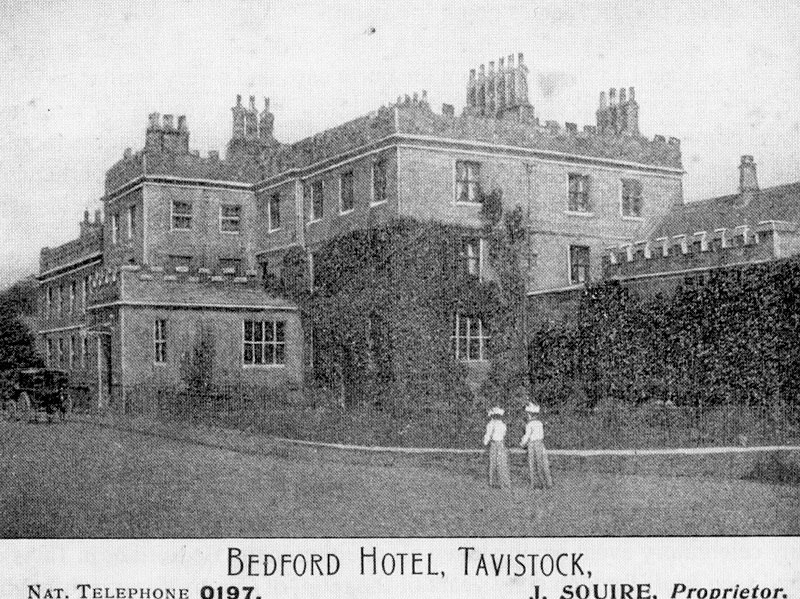 Photo of The Bedford Hotel Tavistock in 1905